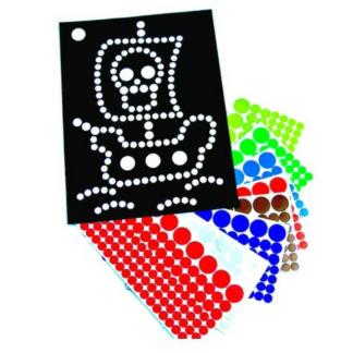 Knutselset met 8 vellen met piratenontwerp en 16 stickervellen met zelfklevende stippen in verschillende kleuren om de ontwerpen mee te versieren. Leuk als knutselmoment tijdens een thematisch kinderfeest rond piraten.
