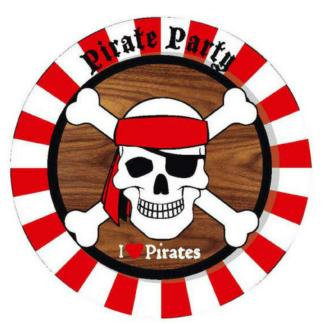 Set van 8 kartonnen borden met een afbeelding van een piratendoodshoofd. Leuke tafeldecoratie tijdens een thematisch kinderfeest rond piraten.