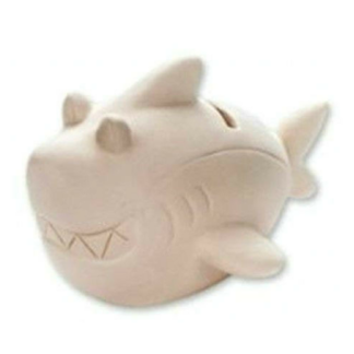 Spaarpot van keramiek in de vorm van een haai om in te kleuren met verf. Dit is een leuke knutselset tijdens een kinderfeestje.