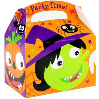 """Kartonnen party box met een afbeelding van een heksengezicht, een pompoen, een spin, een vleermuis, ... Op het handvat staat een opdruk van """"Party time"""". Leuk als verpakking van een lekkere traktatie tijdens een kinderfeest rond Halloween of heksen."""