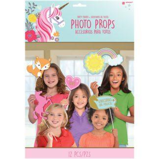 Set van 12 foto props met decoratie van eenhoorns, regenboog, bosdieren, ... Leuk voor een thema kinderfeestje rond eenhoorns.