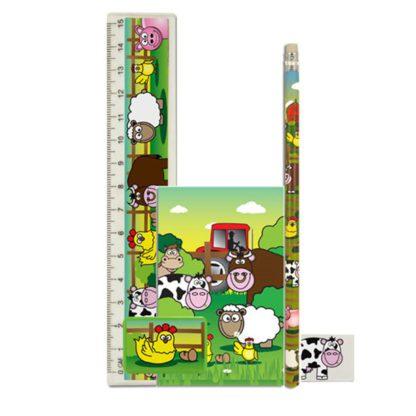 Schrijfset met boerderijthema bestaat uit een notitieboekje, een potlood, een lat, een gom en een puntenslijper.